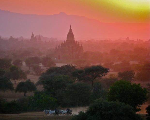 Bagan, travel, photography, adventure, hot air, ballon, jamie lyons. documentation