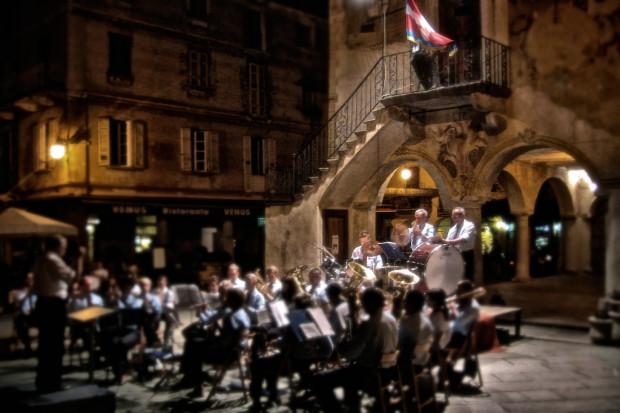 Lark Orta, Italy, italia, travel, photography, documnetation, music, performance, concert, band